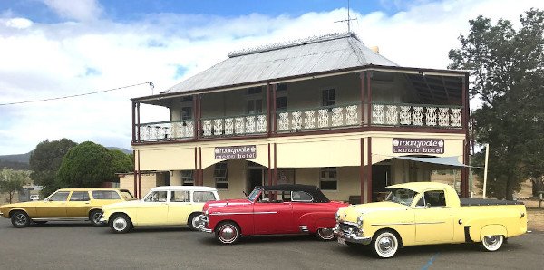 Antique Car Clubs arrive in style to the Crown Hotel Maryvale Queensland